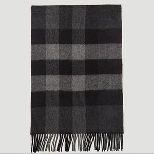 BURBERRY Check Cashmere Charcoal Scarf NWT